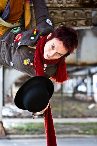Allison Daniel, puppet creator and performer