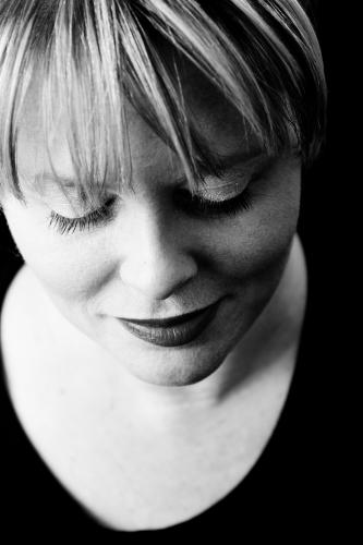 Laura Pedersen, makeup artist